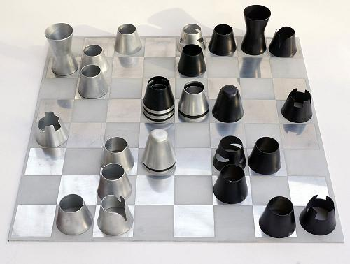 Capture Chess Set