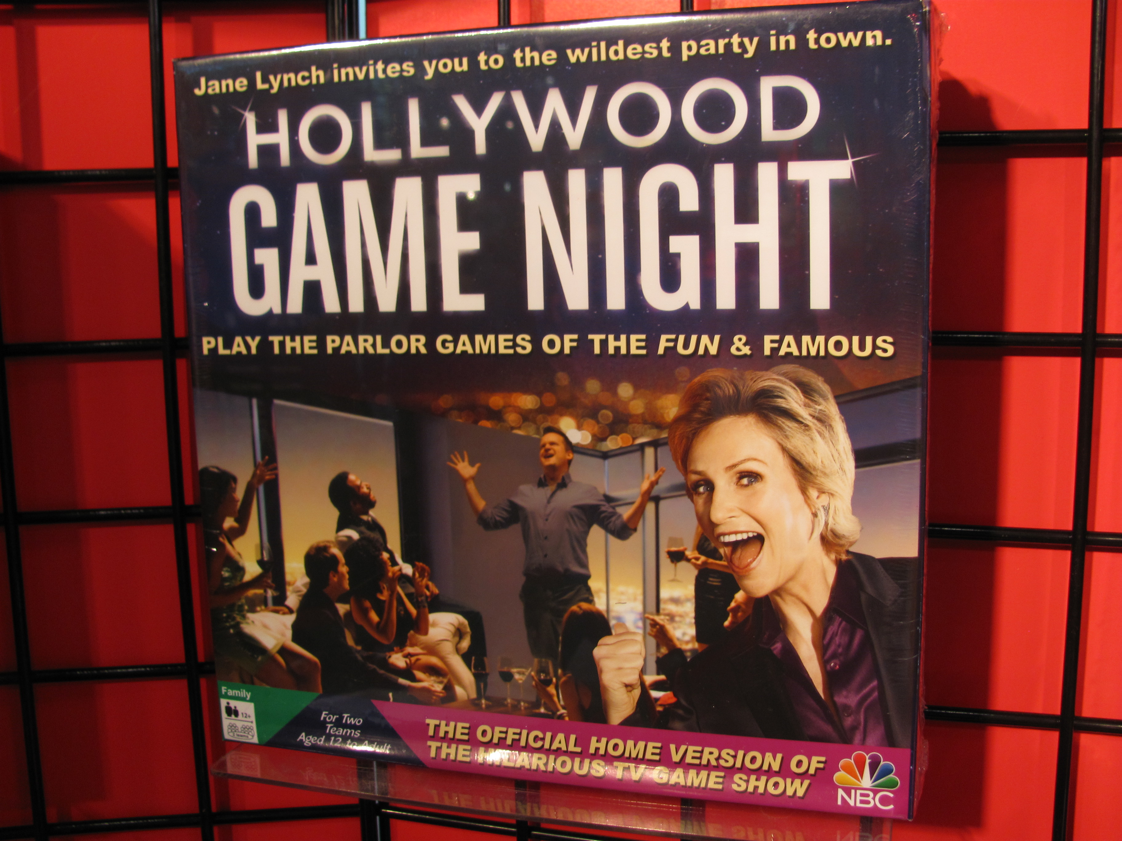 Hollywood Game Night Cast and Characters | TV Guide