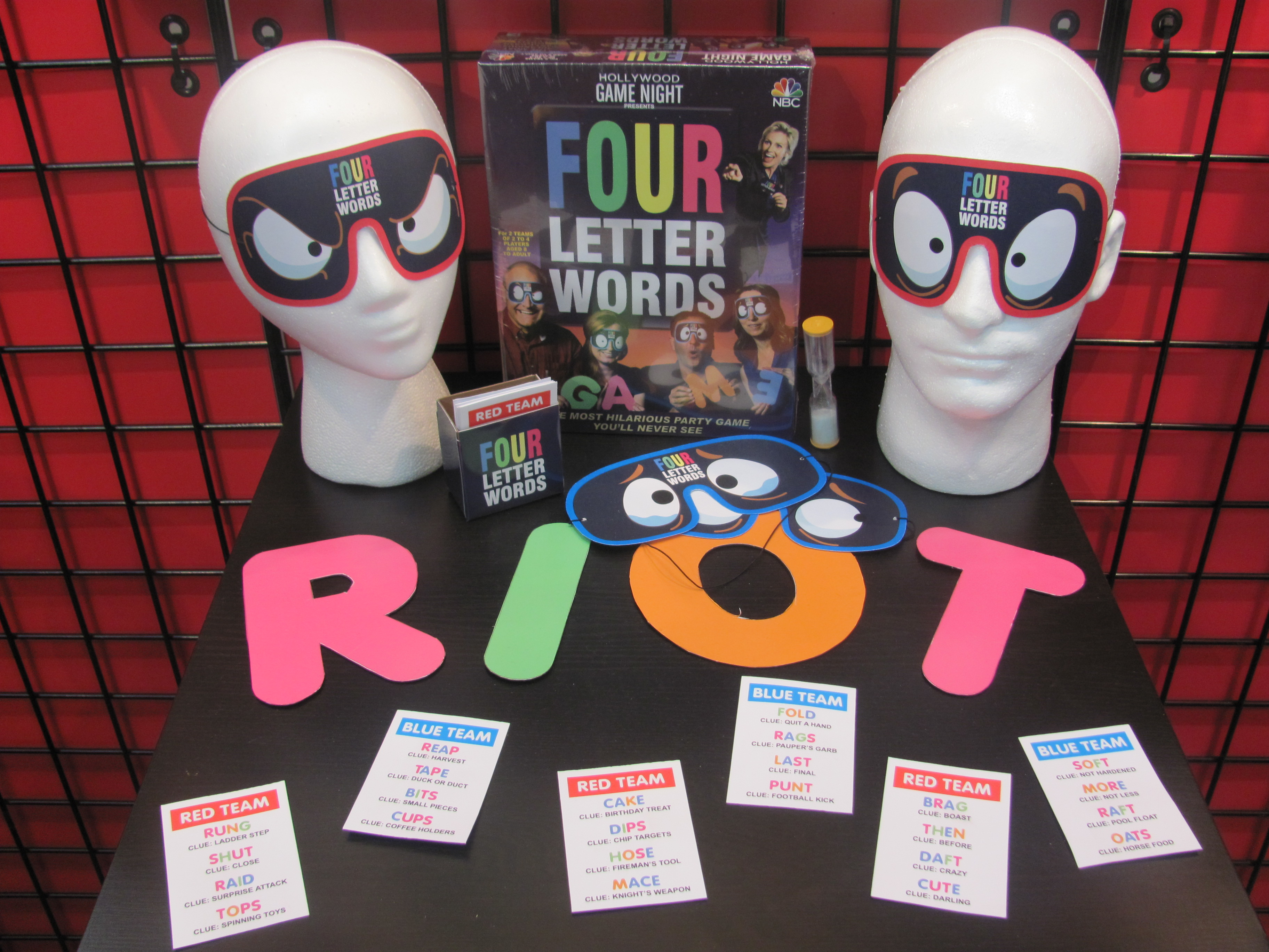 Toy Fair 2015—More Hollywood Game Night From TDC | Purple Pawn
